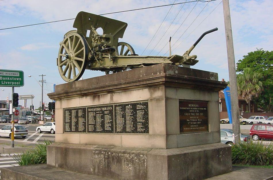 Enfield War Memorial (2004). Photo: Cathy Jones
