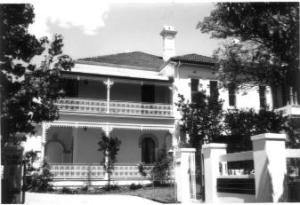 Glen Luna' 2-4 Carrington Avenue Strathfield.  Photograph Strathfield Council 1986.